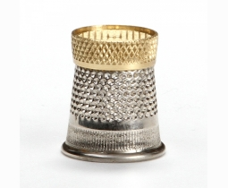 Raised Edge Thimble size 12