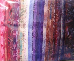 Jelly Roll batik pink/purple